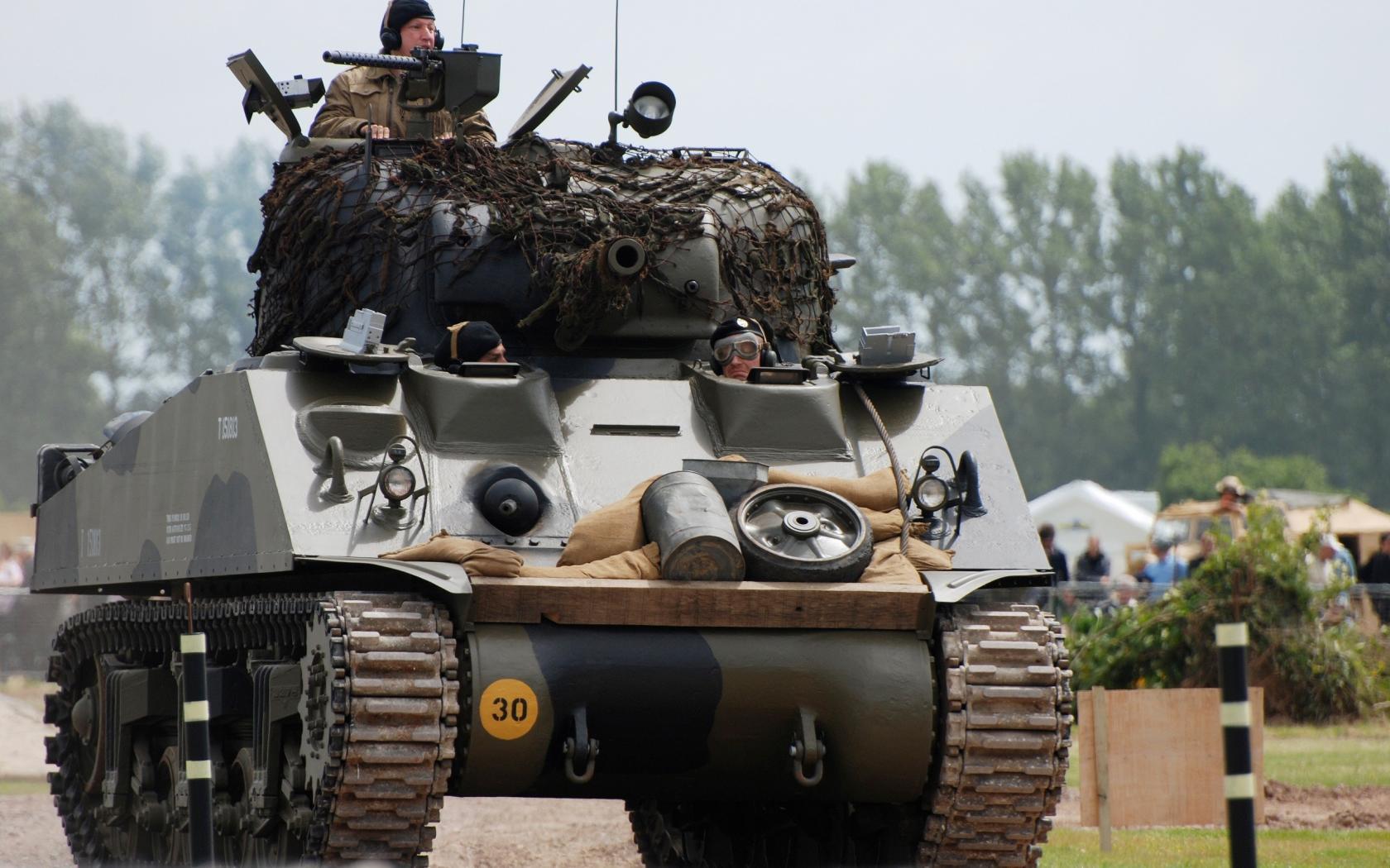 army_military_sherman_weaponry_sharman_1680x1050_27447